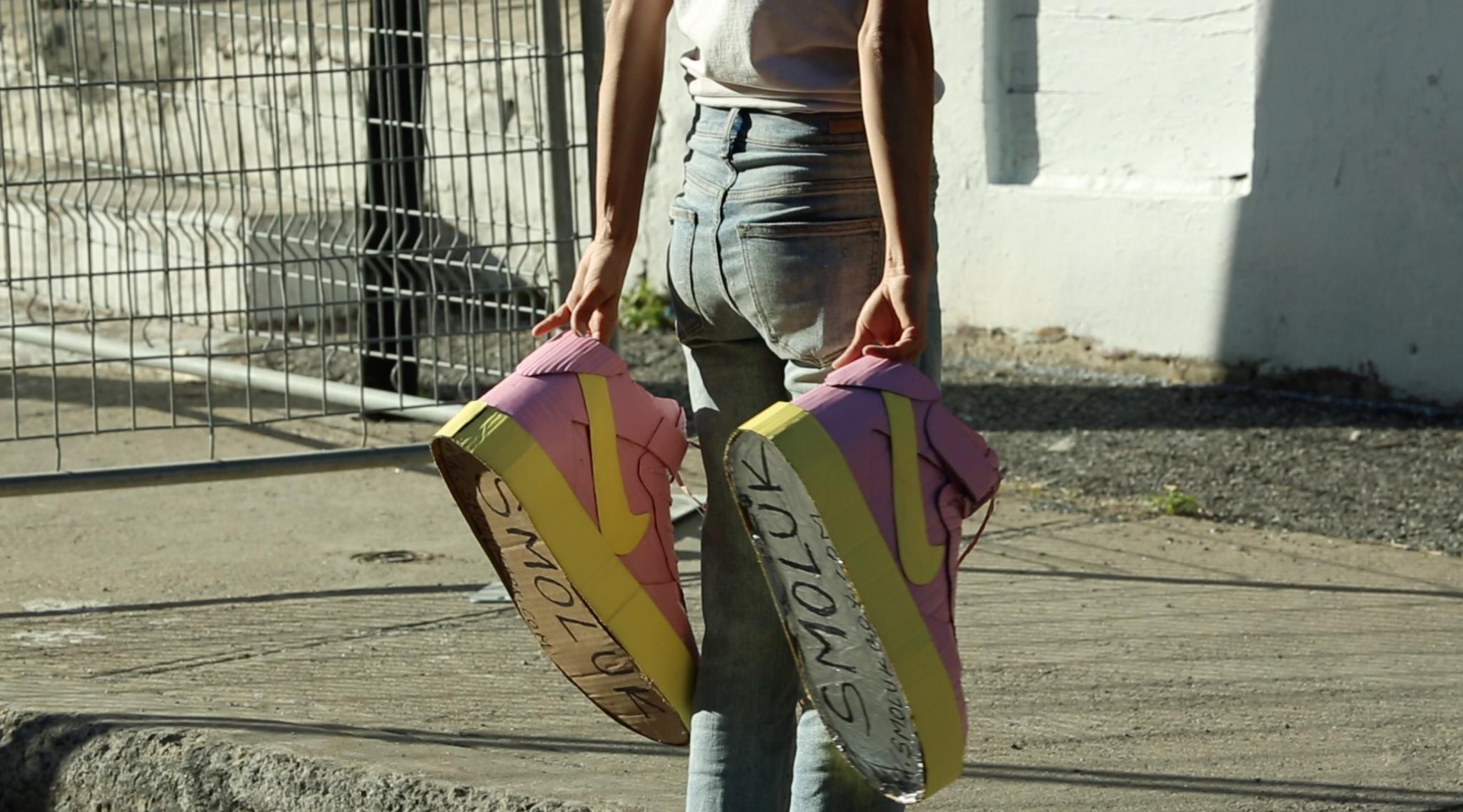 Bande Annonce : Women's Art Interview avec Smoluk